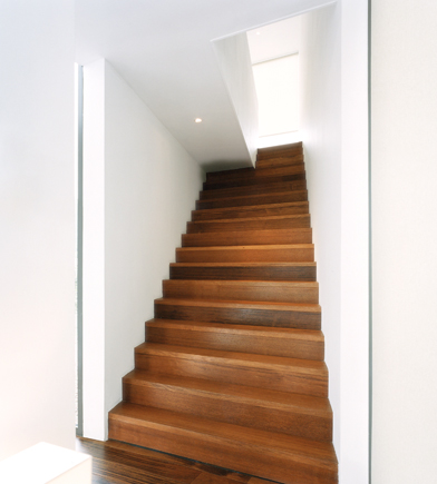 Moderne trappen trappen teck - Foto moderne trap ...